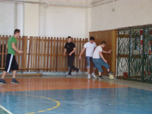 Foto: víťazný tím iv.c (zľava lukáš leštinský, marian faja